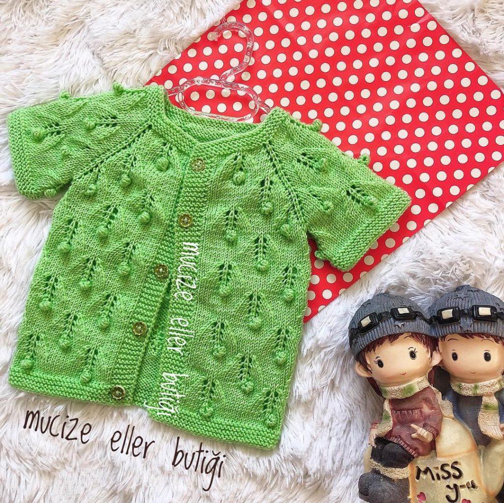 Örgü Bebekli Yelek Yapımı | Örme şapka desenleri, Desenler, Baby ... | 1022x1024